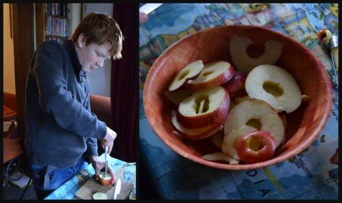 Cutting apple rings