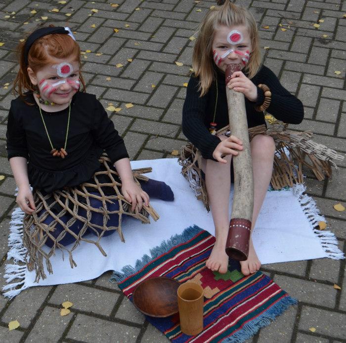 Australia-aboriginal-dress up-2