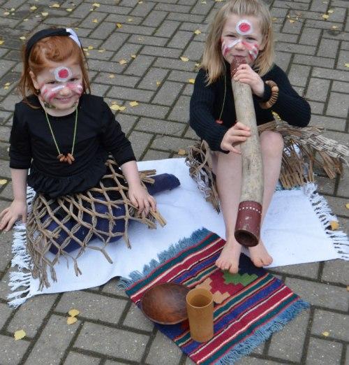 Australia-aboriginal-dress up