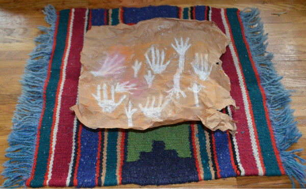 Australian-aborigines-cave art-hands