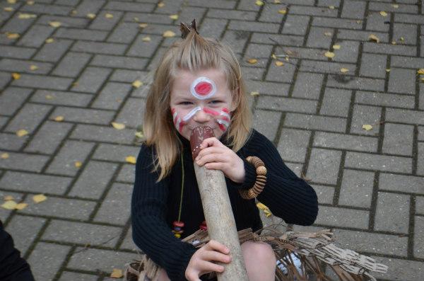 Australian-aborigines-didgeridoo-activities