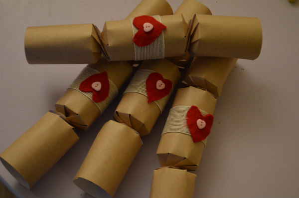 Christmas-homemade-crackers-2