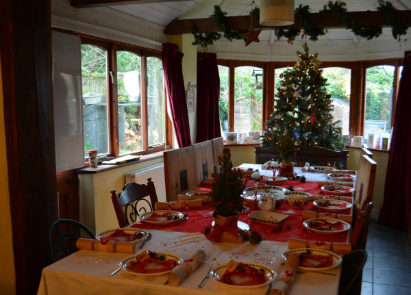 Christmas-homemade-tablescaping-full-table